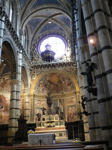 Interior of Siena church, with columns