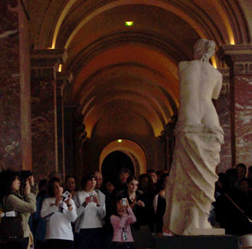 Tourists with Venus de Milo
